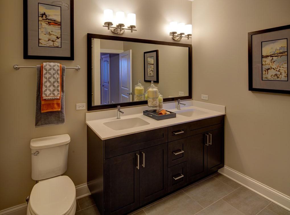 deerfieldil-apartment-interior-bathroom3-1