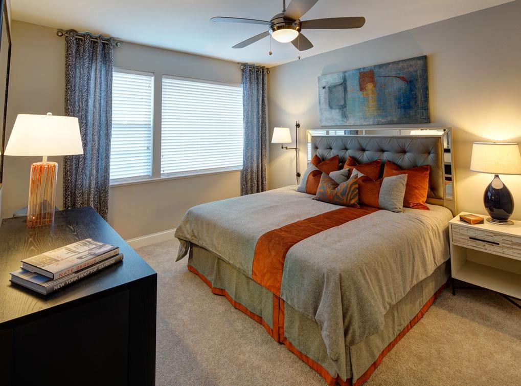 deerfieldil-apartment-interior-bedroom1