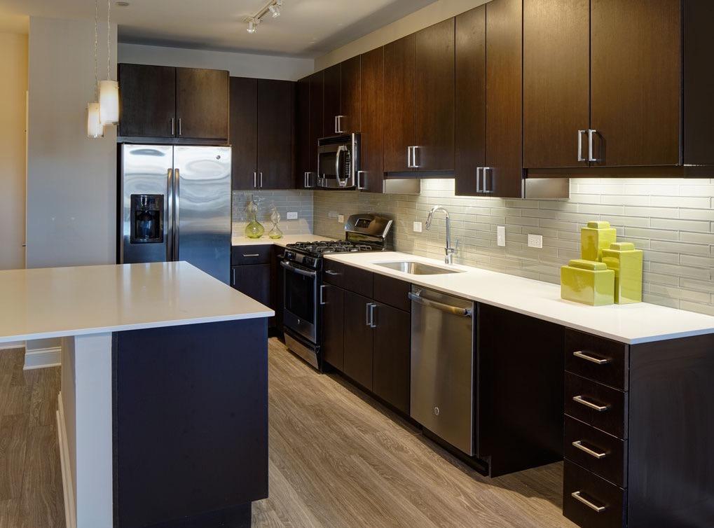 deerfieldil-apartment-interior-kitchen2-1