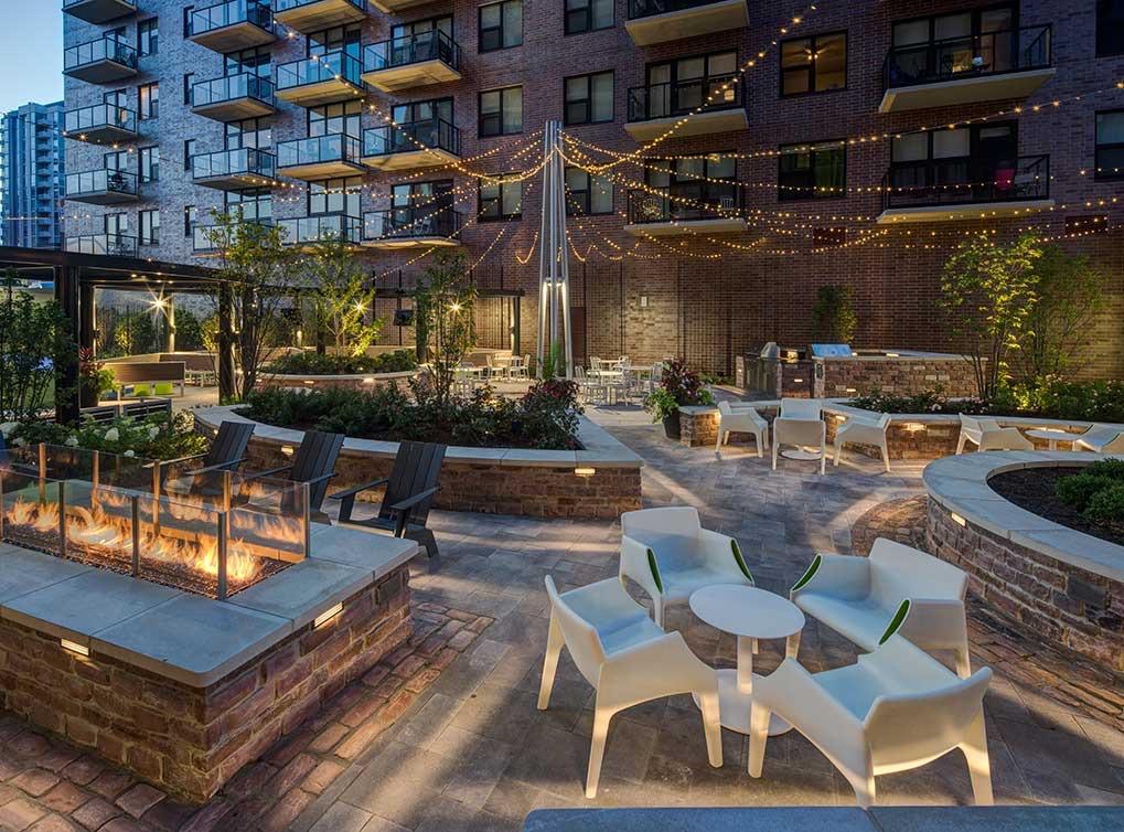 lofts-amenity-exterior-courtyard
